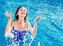 Тренировки в воде. Помогает ли аквааэробика похудеть и стоит ли ею заниматься?
