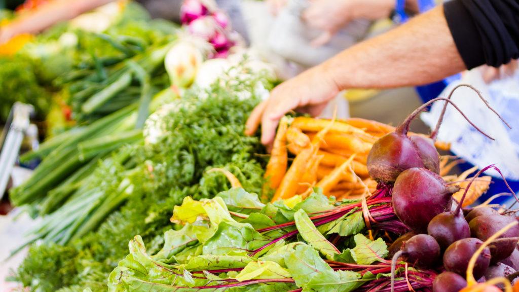 Вредители в овощах и фруктах. Избавляемся от гельминтов